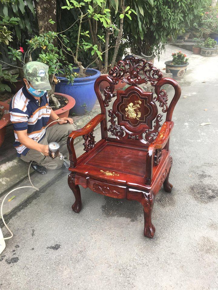 sơn bàn ghế cũ tại nhà tpchm