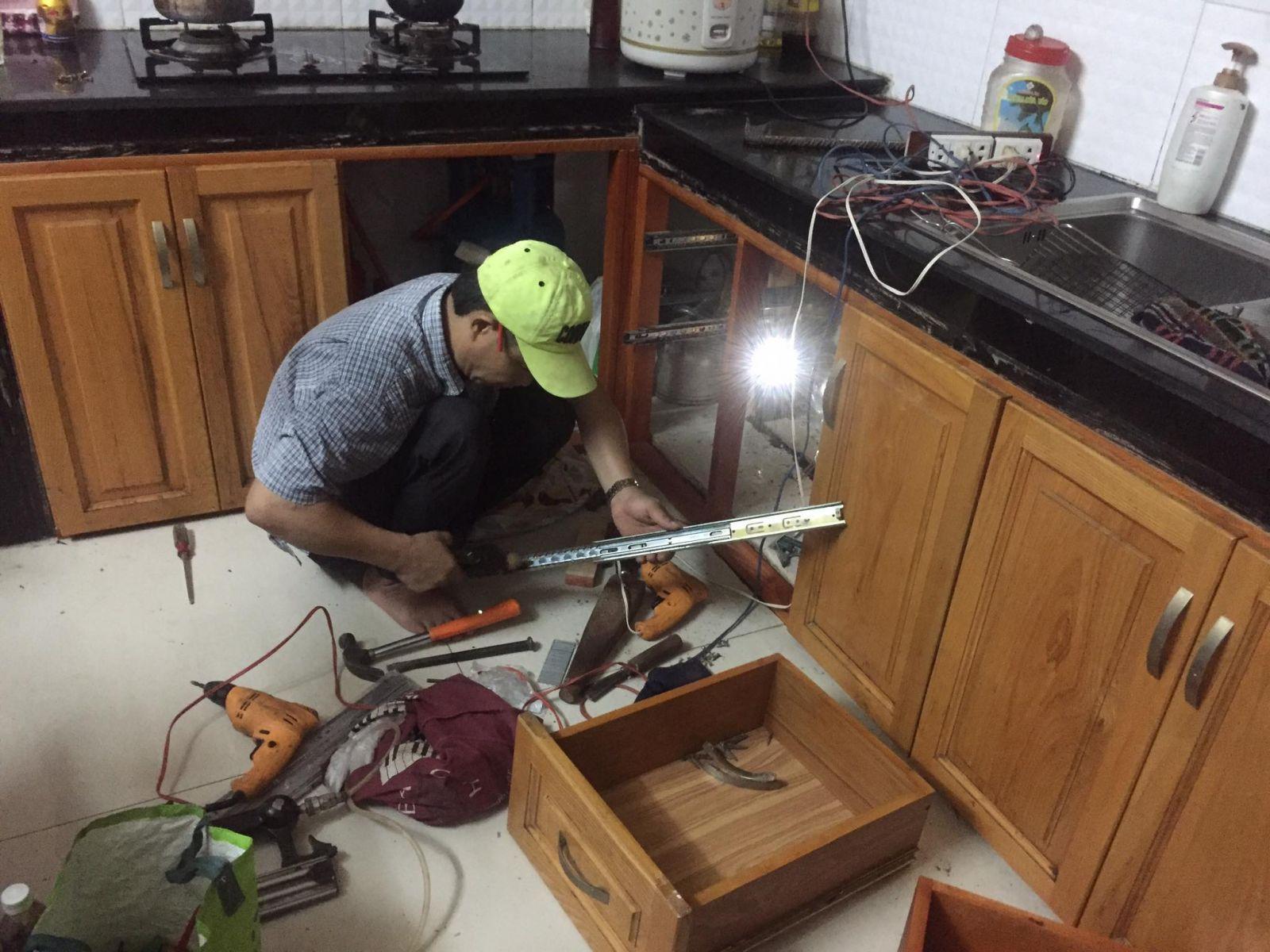 sửa tủ bếp giá rẻ tphcm