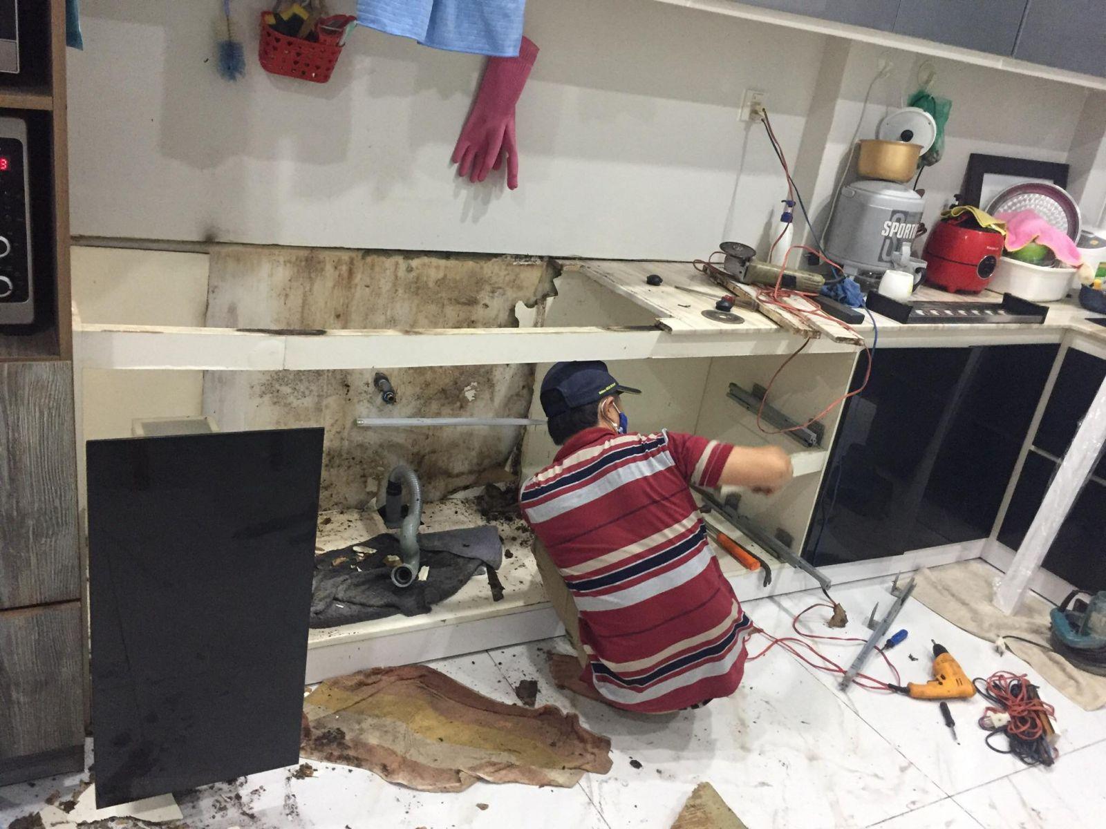 sửa tủ bếp bị ngấm nước tại tphcm
